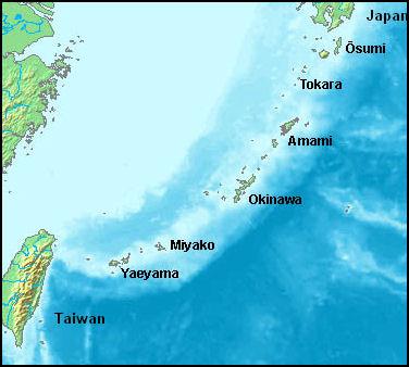 O arquipélago Ryukyu, uma cadeia de ilhas que vai do Sul de Kyushu até Taiwan, a porta de entrada do Sudeste asiático pelo Oceano Pacífico.