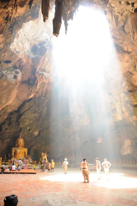 Caverna Khao Luang, em Petchaburi, há duas horas e meia de Bangkok.